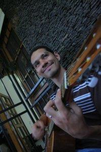 Manuel Contreras - Cantautor Salvadoreño